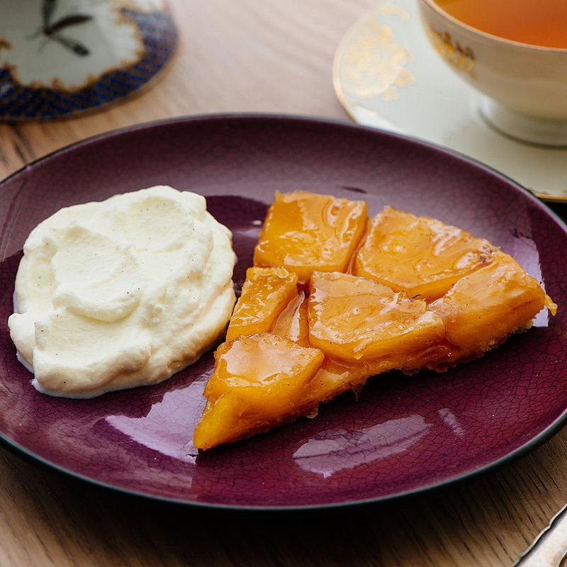 ananas tarte tatin mit vanillekaramell rezept hagen grote schweiz shop. Black Bedroom Furniture Sets. Home Design Ideas